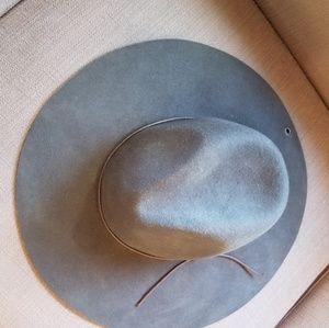 Peter Grimm gray felt floppy hat
